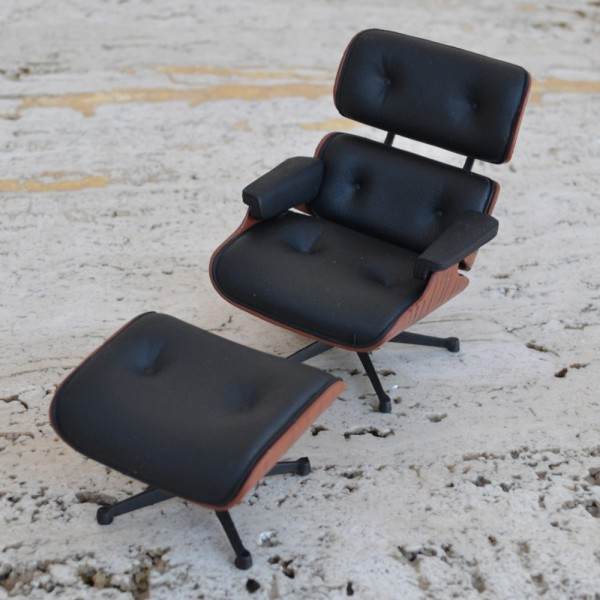 Eames Lounge Chair Ottoman Miniature